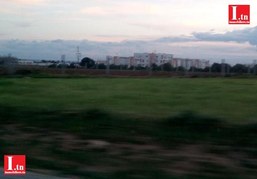 ارض فلاحية بجانب المركب الجامعي