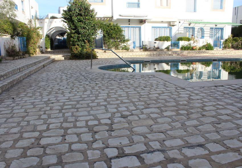 hammamet, un duplexe avec piscine cote théâtre