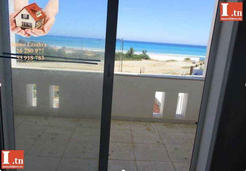 *** A louer des appartements au RC et première étage S+3 pied dans l'eau, plage Ezzahra ******