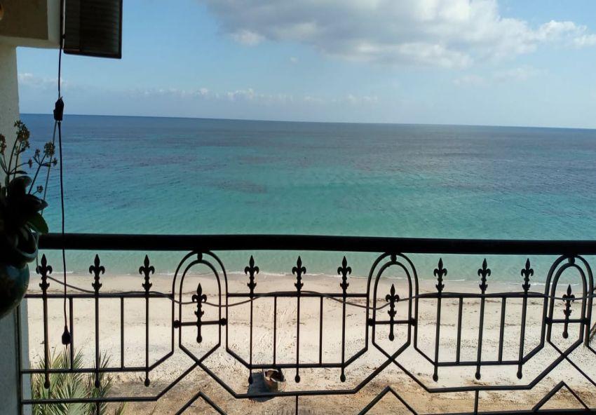 A #vendre un #studio spacieux# vue de mer à chott meriem