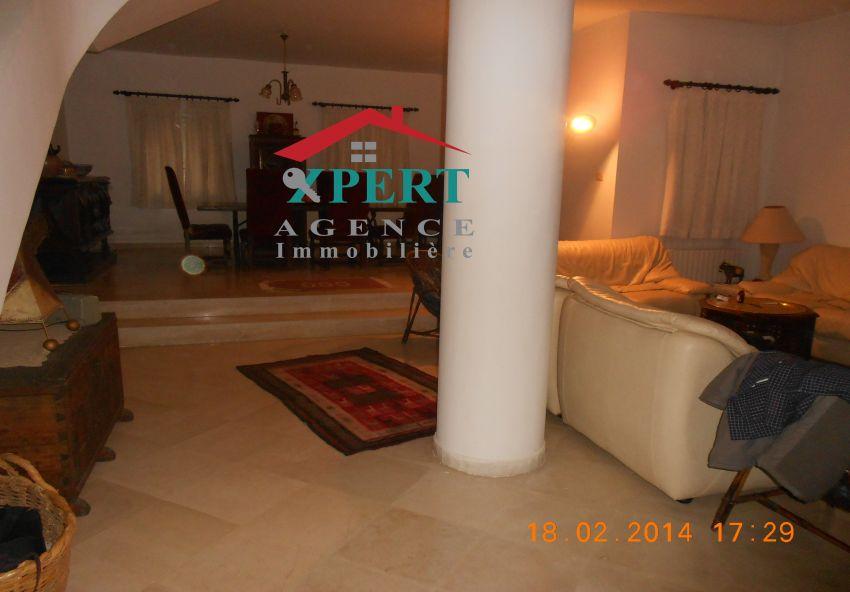 Villa 532m², Cuisine équipée, Terrasse, Avenue Khezama
