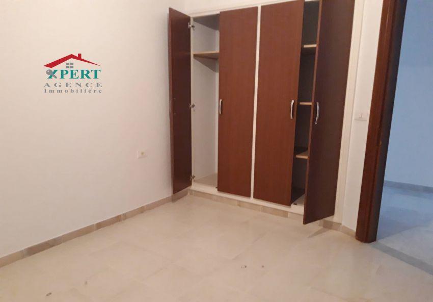 Appartement 125m², Cuisine équipée, Terrasse, Sahloul