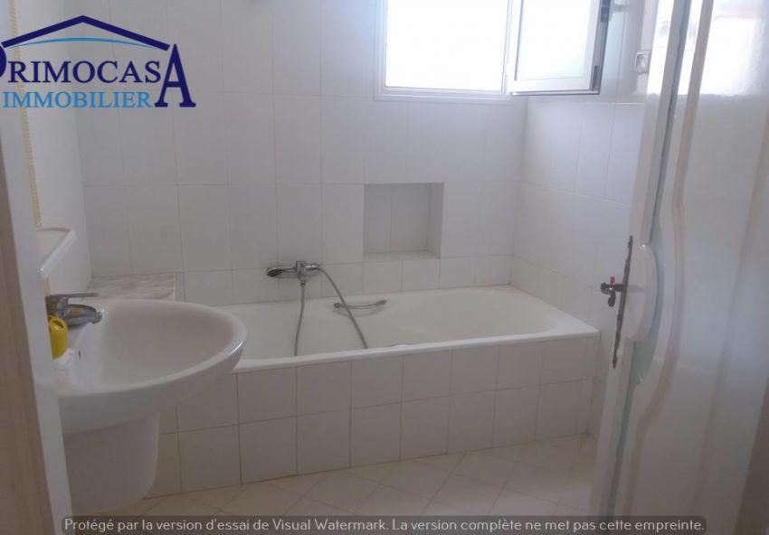 deux étages de villa pieds dans l'eau pour passer vos vacances d'été à Kélibia